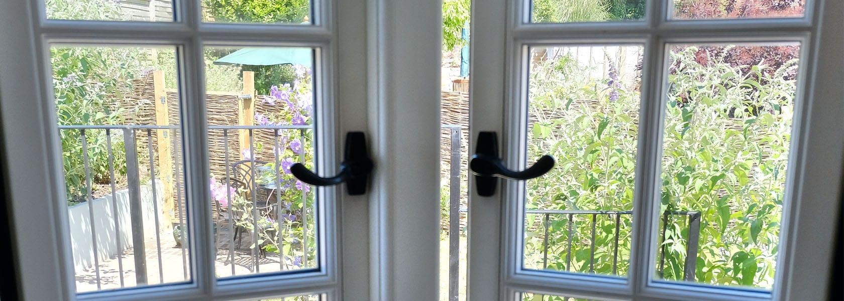 Property_StoneBarn_Windows_1680px